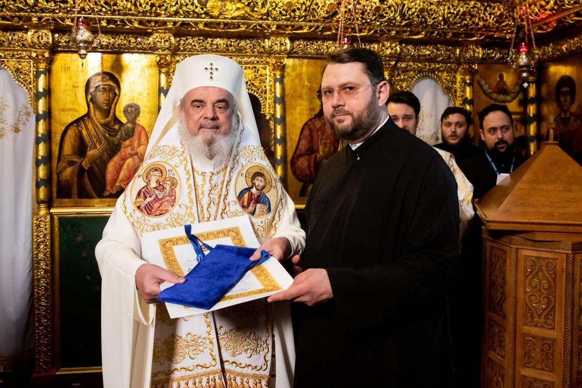 promovari-in-rang-pentru-clerici-din-arhiepiscopia-bucurestilor-139894.jpg